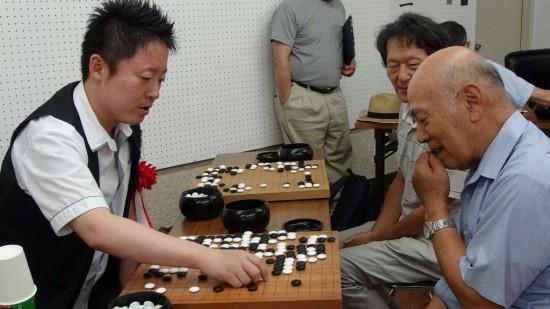 中野寛也九段(日本棋院) – 尾...